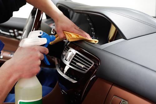 Auto ķīmiskā tīrīšana